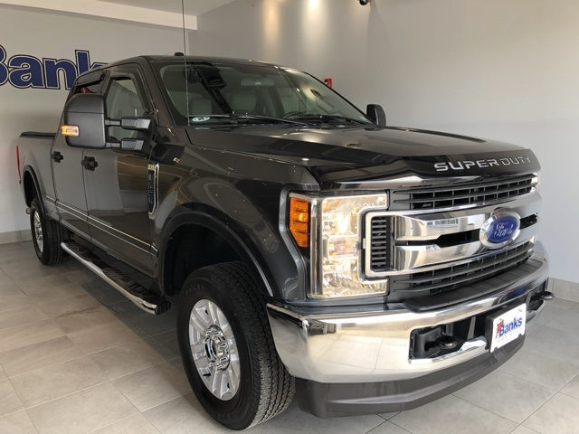Pre-Owned 2017 Ford F-250SD 4WD Crew Cab Box