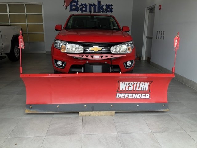 Pre-Owned 2016 Chevrolet Colorado 4WD Crew Cab Short Box LT w/ Western Plow
