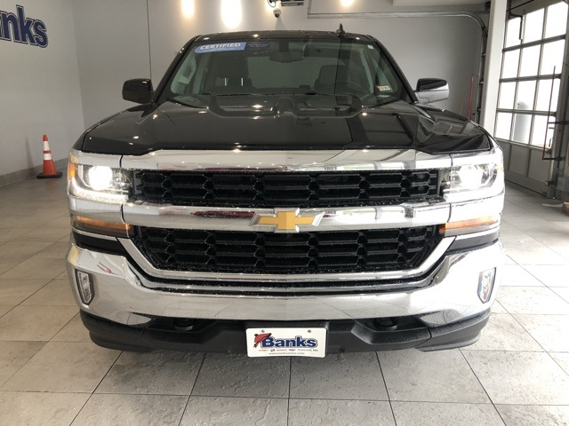 Certified Pre-Owned 2017 Chevrolet Silverado 1500 4WD Double Cab Standard Box LT