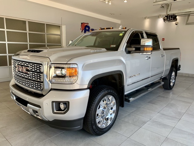 Certified Pre-Owned 2019 GMC Sierra 2500HD 4WD Crew Cab 153.7