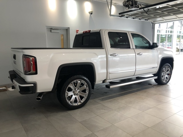 Certified Pre-Owned 2018 GMC Sierra 1500 4WD Crew Cab Short Box Denali