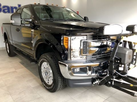 Pre-Owned 2017 Ford F-250SD 4WD SuperCab Box