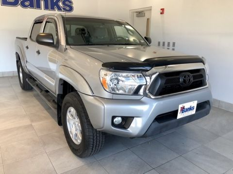Pre-Owned 2015 Toyota Tacoma 4WD Double Cab Short Box V6
