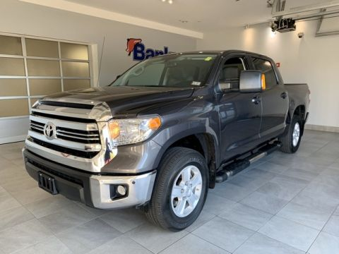 Pre-Owned 2017 Toyota Tundra CrewMax 5.5' Bed 5.7L